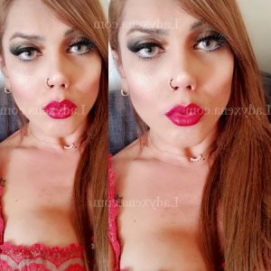 Nysrine escorte girl